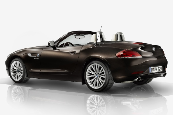 2015-BMW-Z4-Pure-Fusion-Design-rear-three-quarter